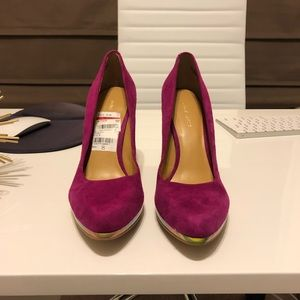 Hot pink suede Nine West heels